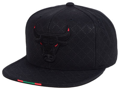 579b74d13c6 Chicago Bulls Mitchell   Ness NBA Neapolitan Collection Snapback Cap