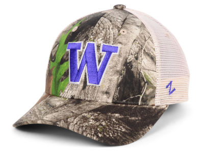 Washington Huskies Zephyr NCAA Recon Camo Trucker Cap