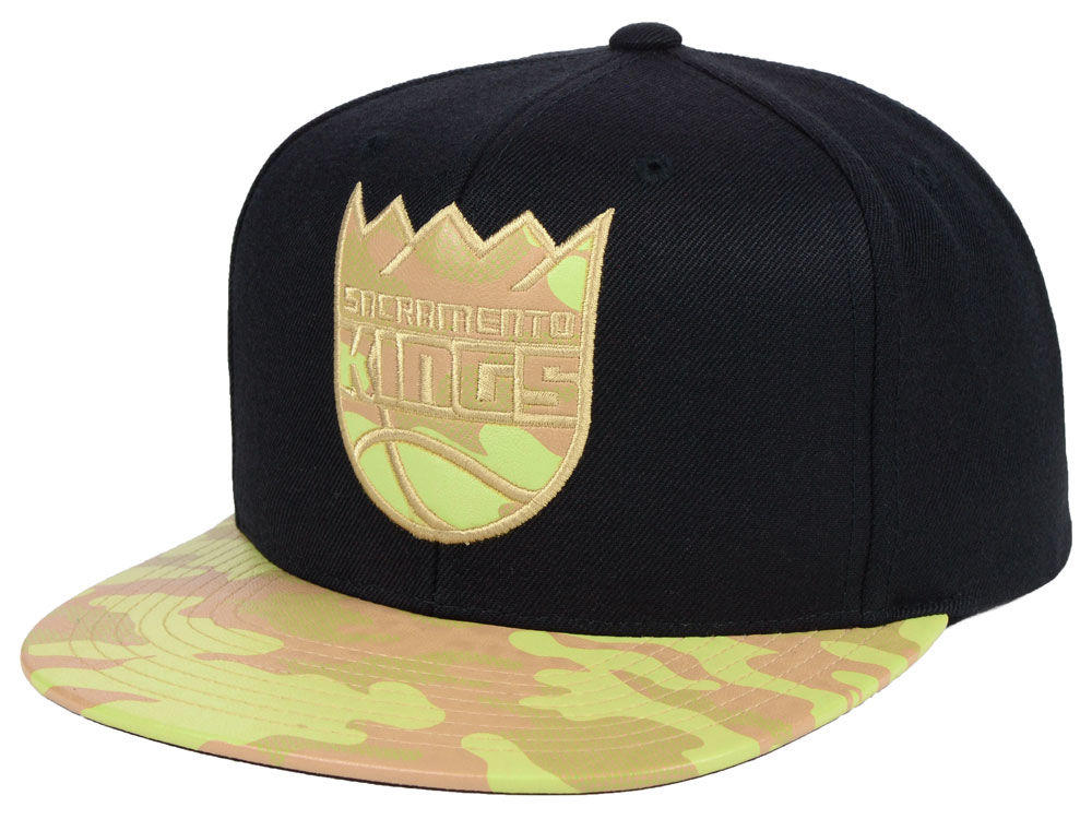 43c4c8ce1da Sacramento Kings Mitchell   Ness NBA Natural Camo Snapback Cap ...
