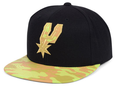 San Antonio Spurs Mitchell & Ness NBA Natural Camo Snapback Cap