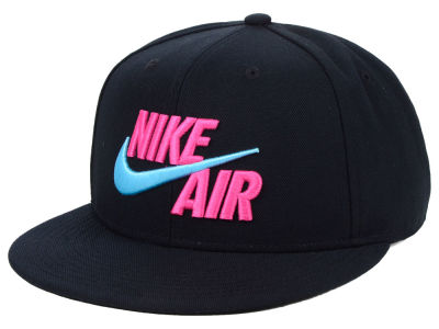 Nike True Nike Air Snapback Cap