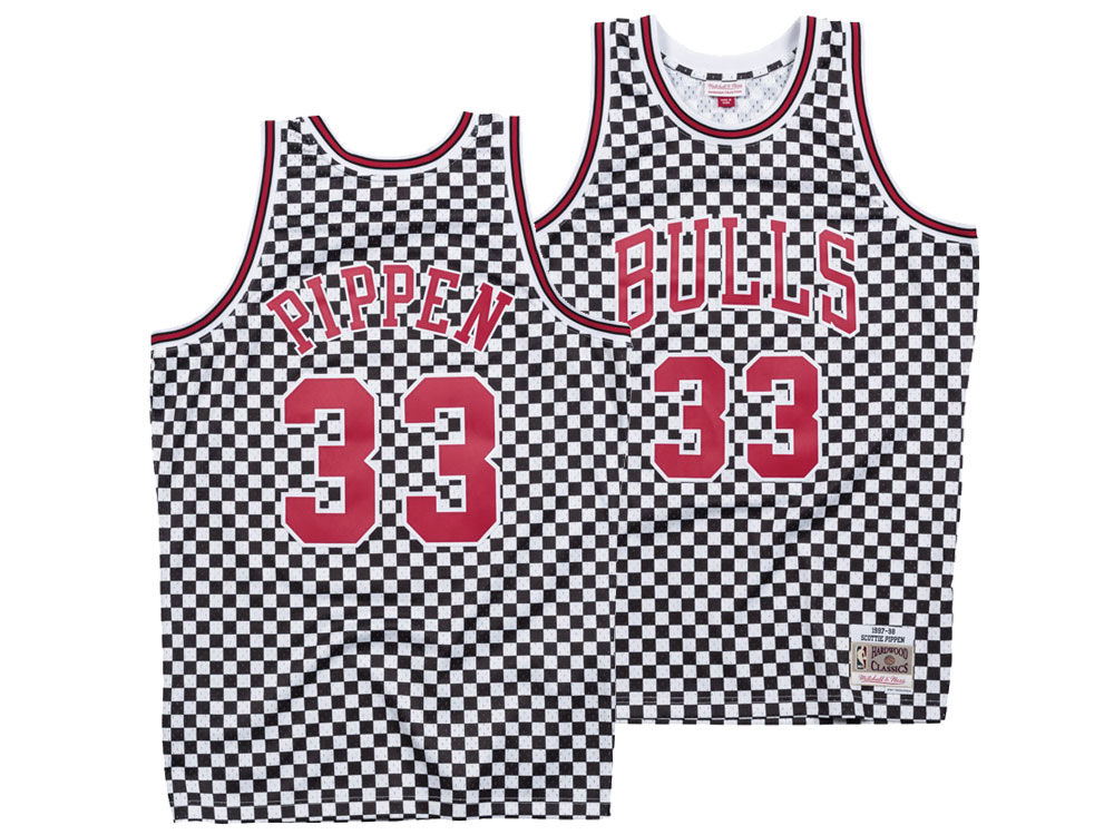 Chicago Bulls Scottie Pippen Mitchell   Ness NBA Men s Checkerboard  Swingman Jersey 10e6f9bd2482