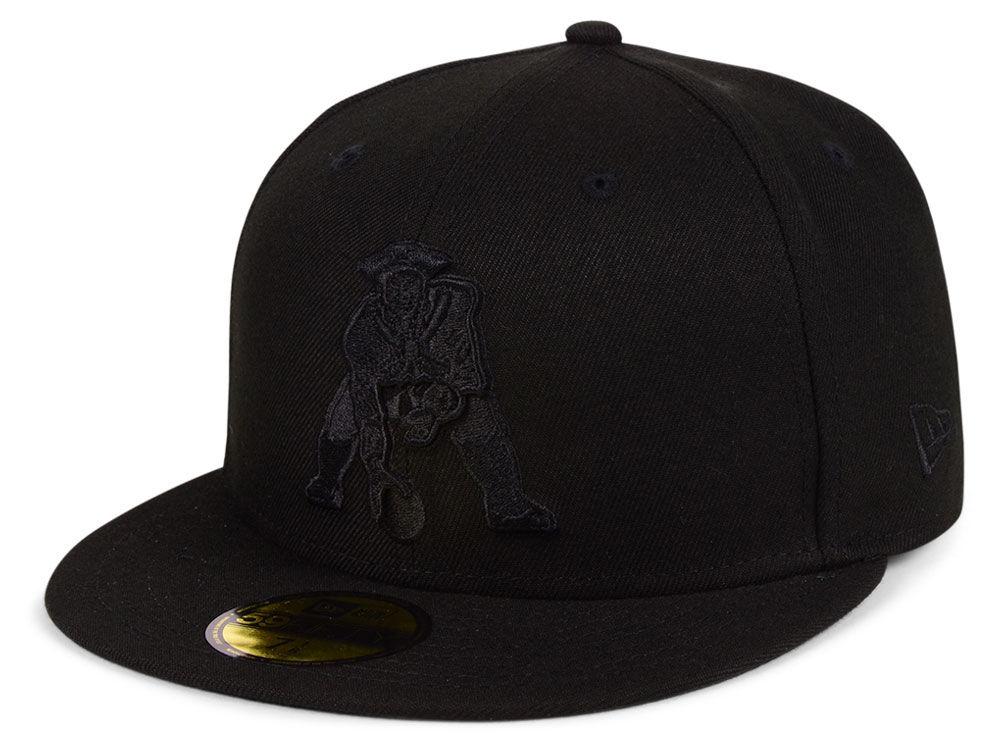 New England Patriots New Era NFL Black on Black 59FIFTY Cap  59cd1942d