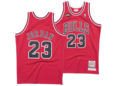 Chicago Bulls Michael Jordan Mitchell   Ness NBA Men s Authentic Jersey 8471d4bee