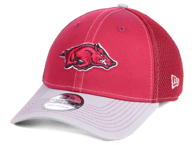 Arkansas Razorbacks New Era NCAA 2 Tone Neo 39THIRTY Cap