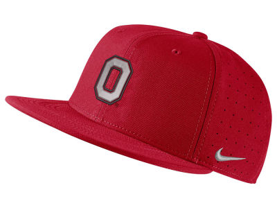 Nike NCAA Aerobill True Fitted Baseball Cap Hats