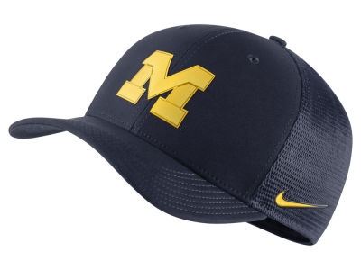 Michigan Wolverines NCAA Nike Stretch Fitted Hats   Caps  5d5c93396443