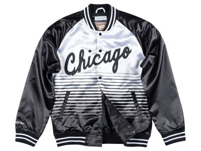 Chicago Bulls Mitchell & Ness NBA Men's Concord Colletion Satin Jacket