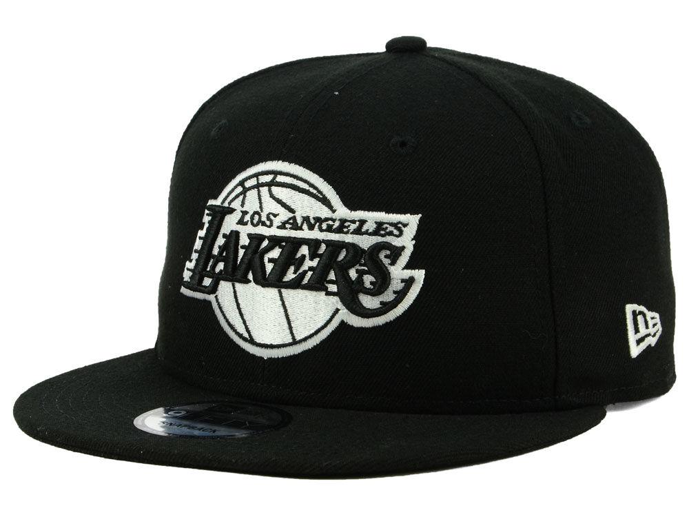 Los Angeles Lakers New Era NBA Black White 9FIFTY Snapback Cap ... a81583a737aa
