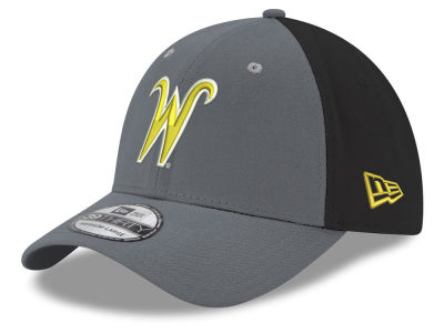 Wichita State Shockers New Era NCAA Heather Black Neo 39THIRTY Cap