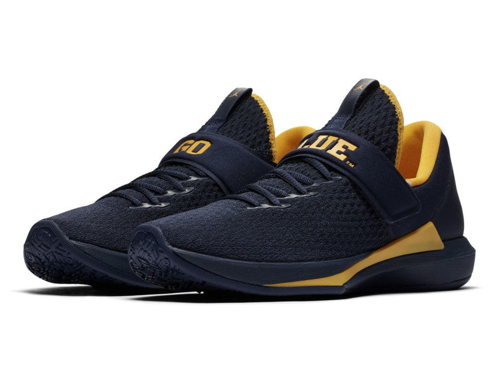 Michigan Wolverines Jordan NCAA Men s Trainer 3 Shoes  56a54b9a9