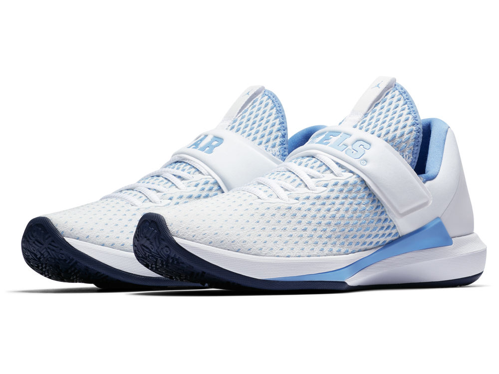 58c4ee0bbf01dd North Carolina Tar Heels Jordan NCAA Men s Trainer 3 Shoes