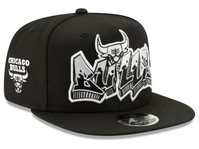 Chicago Bulls New Era NBA Retroword Black White 9FIFTY Snapback Cap 379b3d06036
