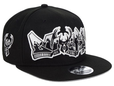 Milwaukee Bucks New Era NBA Retroword Black White 9FIFTY Snapback Cap