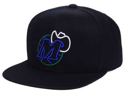Dallas Mavericks Mitchell & Ness NBA Team Color Neon Snapback Cap