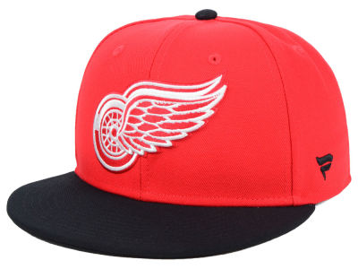 b17c56e938a Detroit Red Wings NHL Branded NHL Basic Fan Fitted Cap