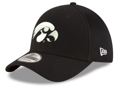 Iowa Hawkeyes New Era NCAA Black White Neo 39THIRTY Cap