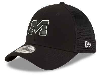 Ole Miss Rebels New Era NCAA Black White Neo 39THIRTY Cap