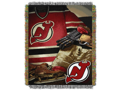 New Jersey Devils The Northwest Company Vintage Tapestry Throw Blanket