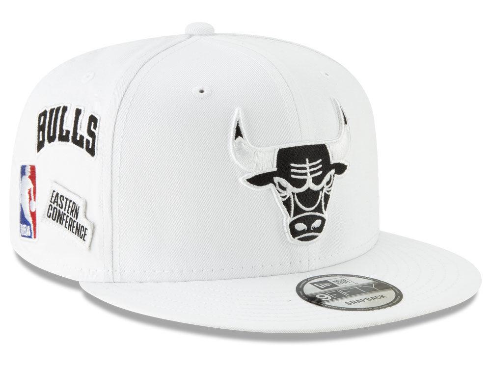 33159ab2a5ed2 Chicago Bulls New Era NBA Night Sky 9FIFTY Snapback Cap