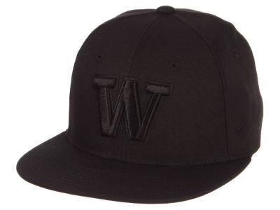 Washington Huskies Zephyr NCAA Black on Black Fitted Cap aec73e389c31
