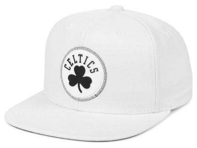 Boston Celtics Mitchell   Ness NBA White Zig Zag Snapback Cap d5879abc06f