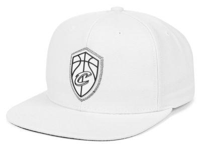 Cleveland Cavaliers Mitchell   Ness NBA White Zig Zag Snapback Cap 4493b3565443