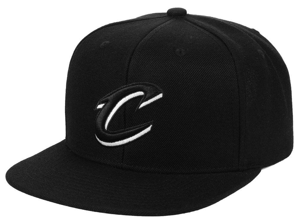 e24942eb14d Cleveland Cavaliers Mitchell   Ness NBA Blackout Pop Snapback Cap ...