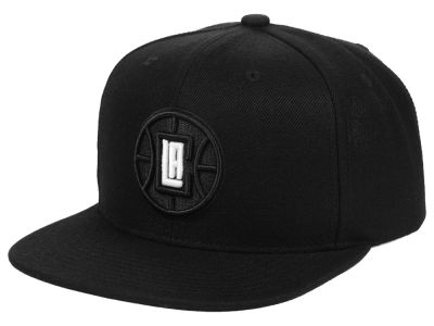 eda2f7337ef8d Los Angeles Clippers Mitchell   Ness NBA Blackout Pop Snapback Cap