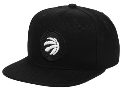 972bc09559c Toronto Raptors Mitchell   Ness NBA Blackout Pop Snapback Cap