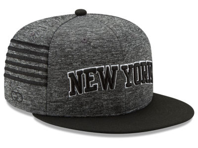 New York Knicks New Era NBA X Grungy Gentleman 9FIFTY Snapback Cap